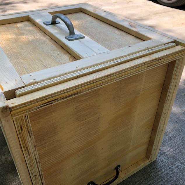 Hamerkop crate exterior