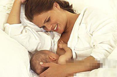 月子里宝宝的喂奶频率