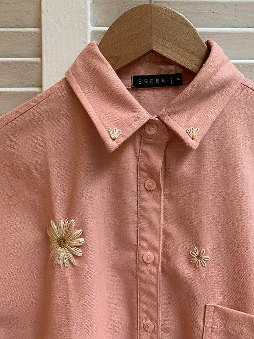 camisa bordada margaridas