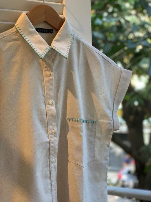 camisa botões bordada detalhes - cru