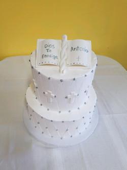 dulce spanish communion cake