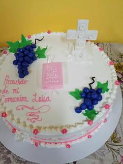 1st communion cake.jpg