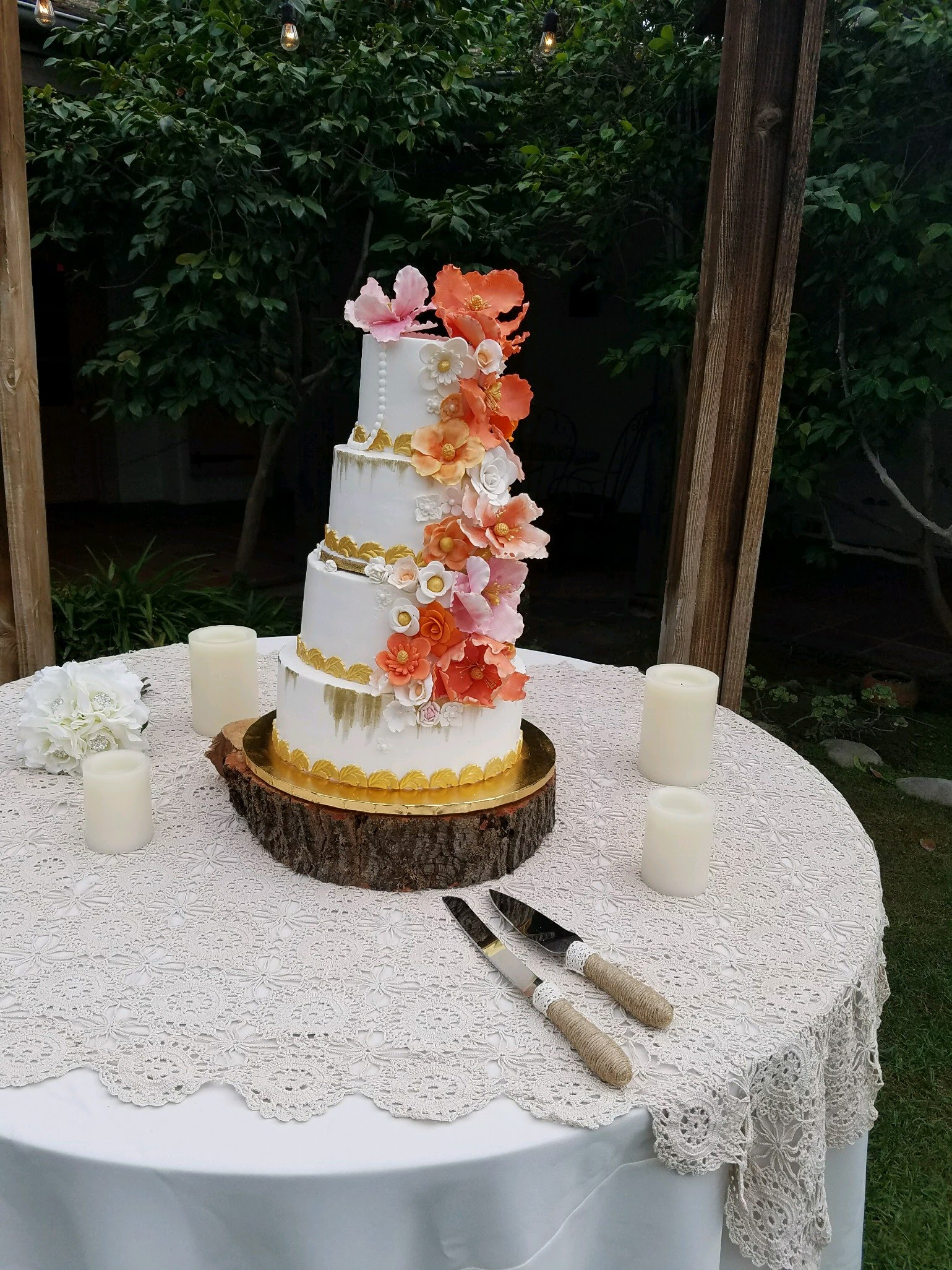 dulce wedding outside cake