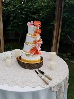 dulce wedding outside cake