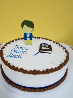 1st communion boy cake.jpg