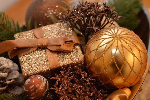 christmas-balls-1063070.jpg