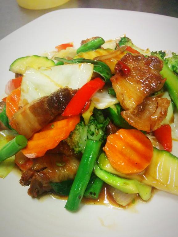 Kra Pow Crispy Pork (Stir fried crispy pork with chilli and basil) T_edited
