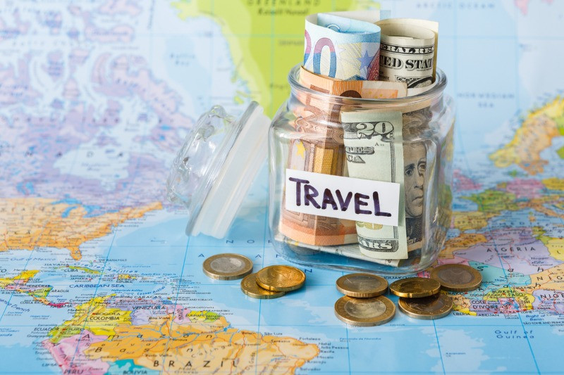 How to travel cheap: jar with money saved