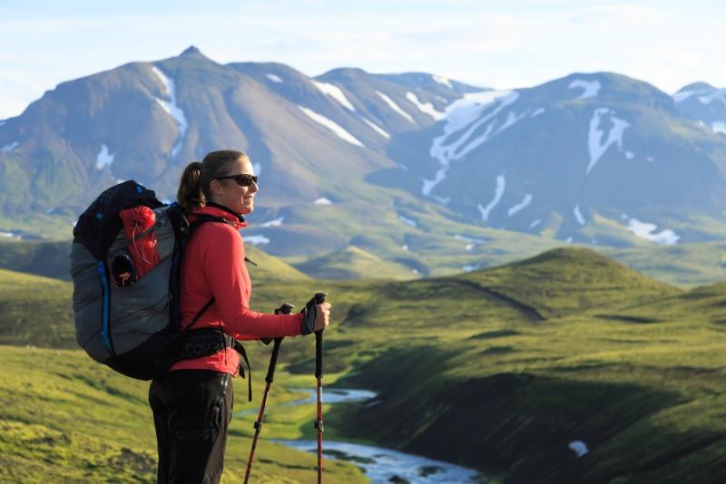 woman hiking through Thorsmork