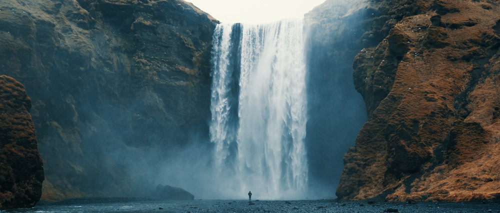 Skogafoss waterfall - a main landmark easily reachable from the icelandic ring road