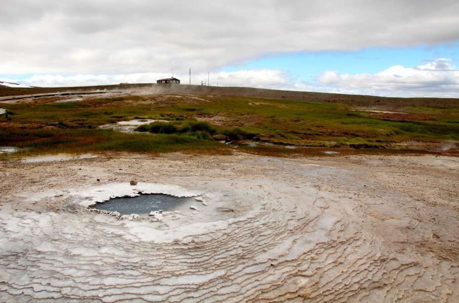 otherworldly scenery of Hveravellir geothermal area