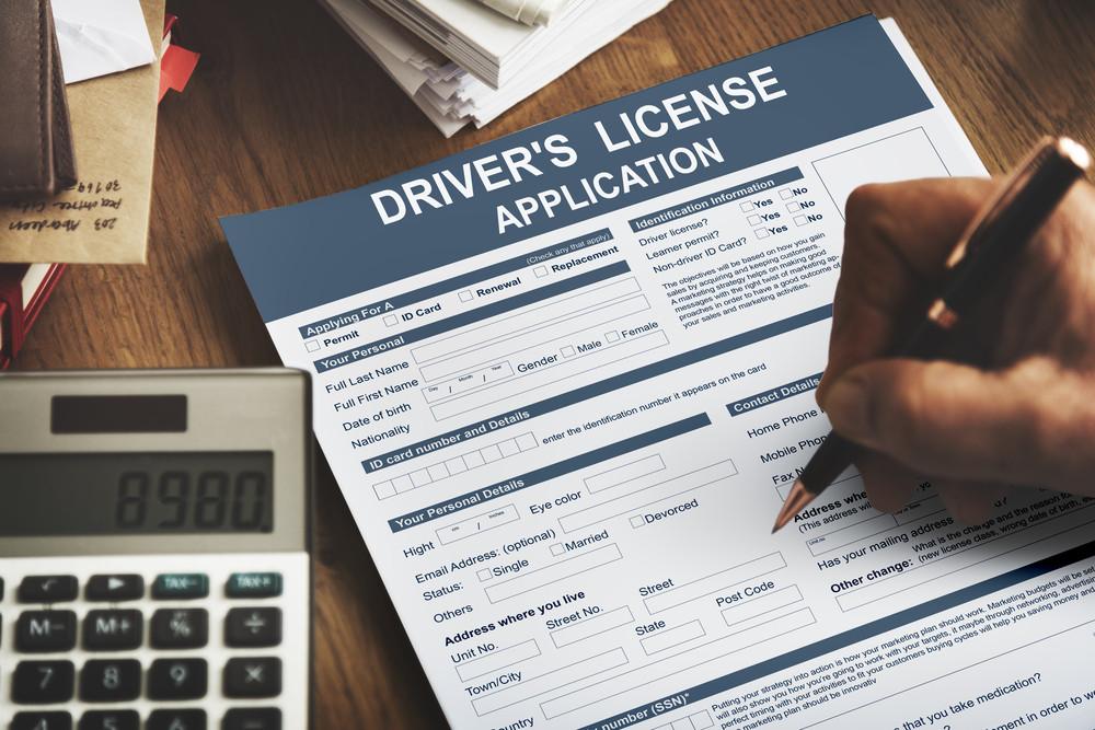 Aplicación para permiso internacional, conducir en Islandia