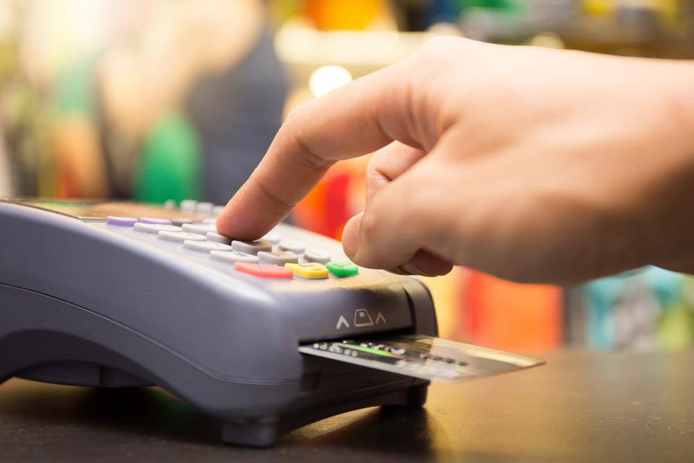 pin pad machine e carta di debito in Islanda