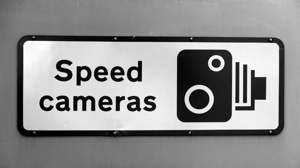 camara para emitir multas de velocidad en Islandia
