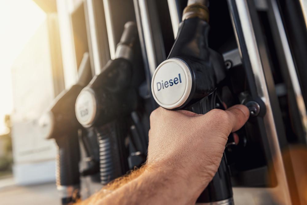rifornire di carburante diesel in Islanda