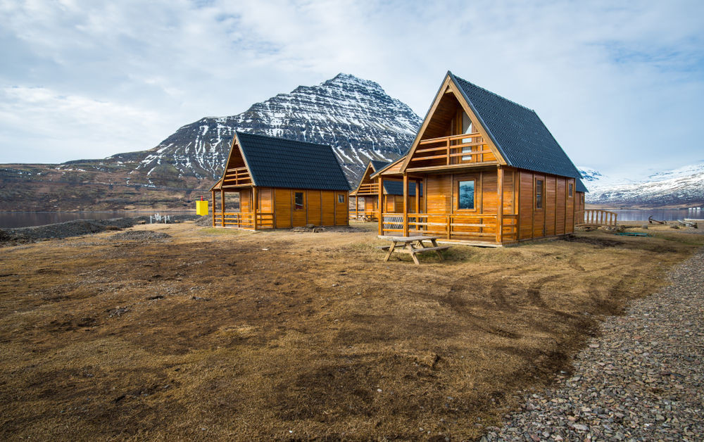 Iceland airbnb in the wilderness