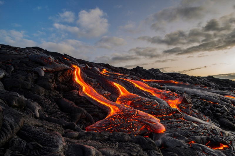 Kerid crater lava flows caused its collapse