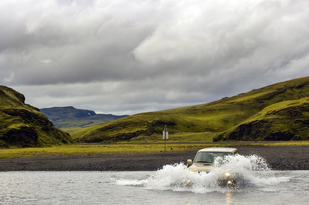 4x4 vehicle crossing rivers in Iceland