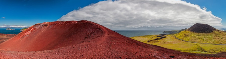 Picture of the crater of the infamous Eldfell volcano in the Westman Islands
