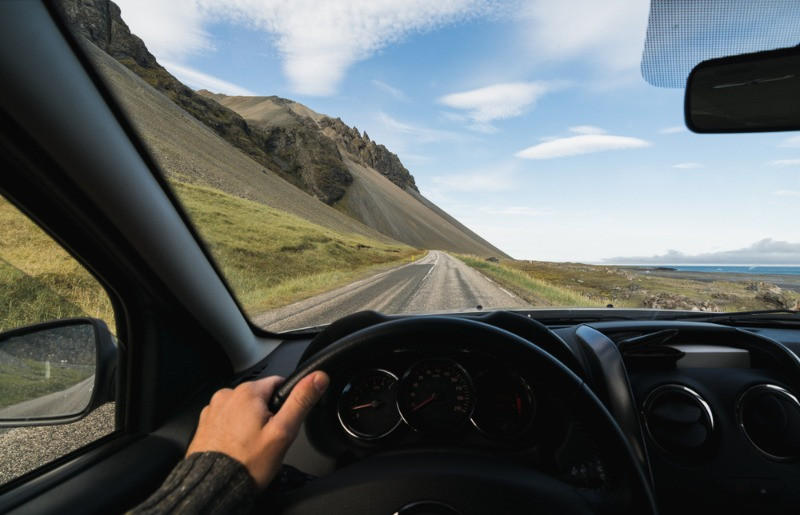 driver keeping the right speed to avoid speeding fines in Iceland