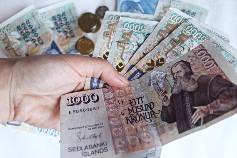 Billetes de mil coronas islandesas ISK