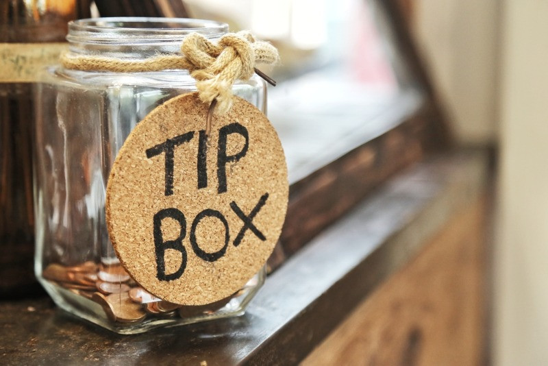 Tip box representing the tipping culture in Iceland