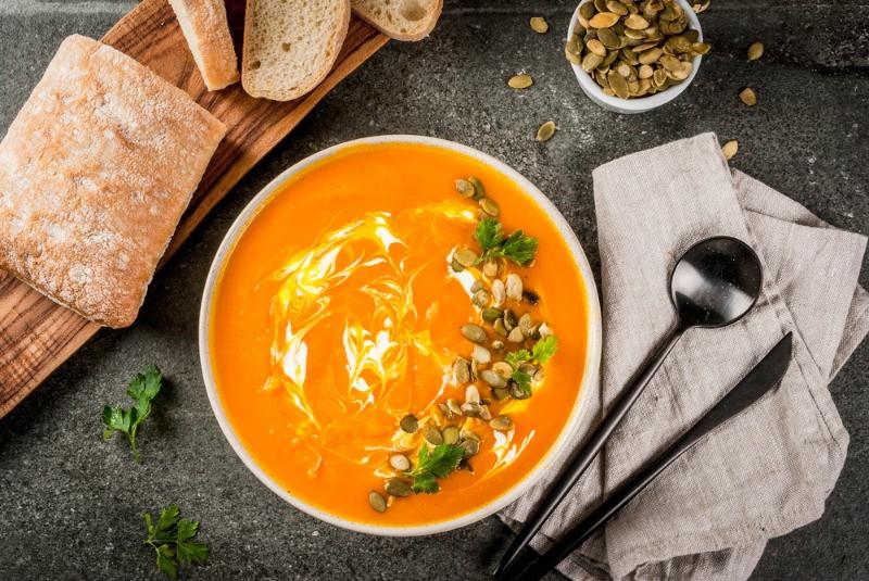 Spa vegana de curry que se ofrece en puestos de comida callejera en reikiavik