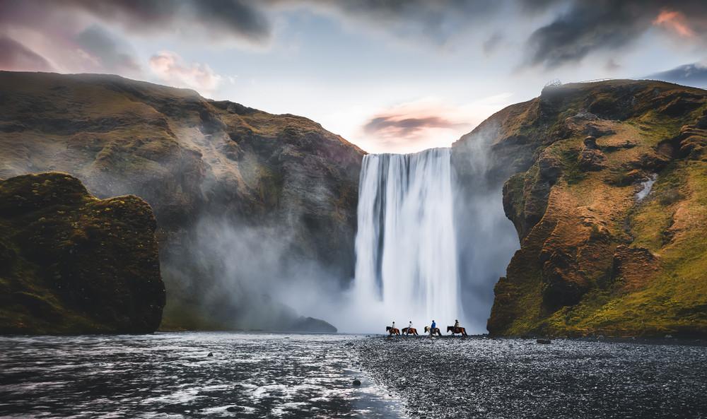 Cascata di Skogafoss sulla costa sud dell'Islanda