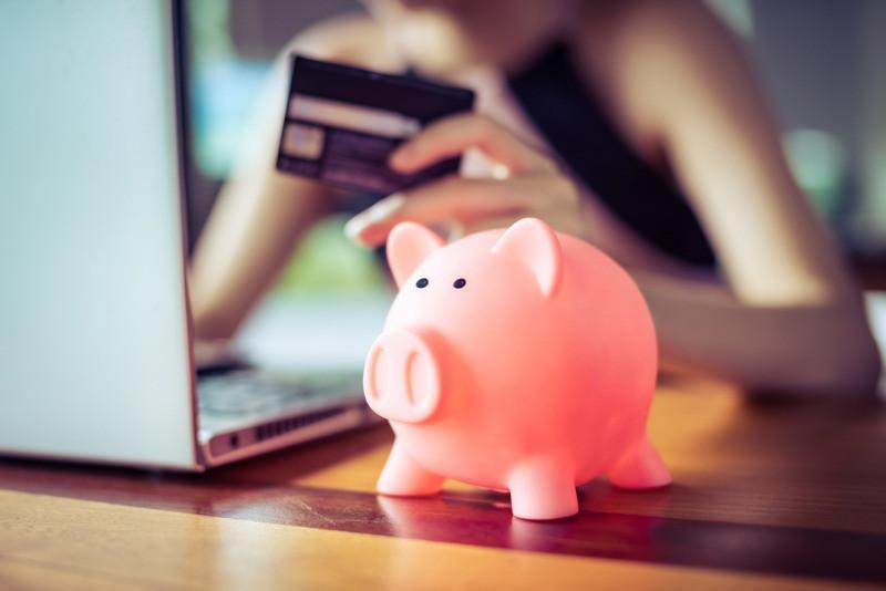Hucha de ahorros para viajes - Tarjetas descuento en Islandia