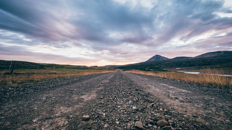 gravel road in Iceland, these roads are common therefore car insurance in Iceland is recommended