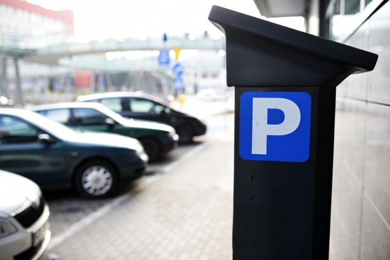 Parquímetro para abonar el precio de aparcar en Reikiavik