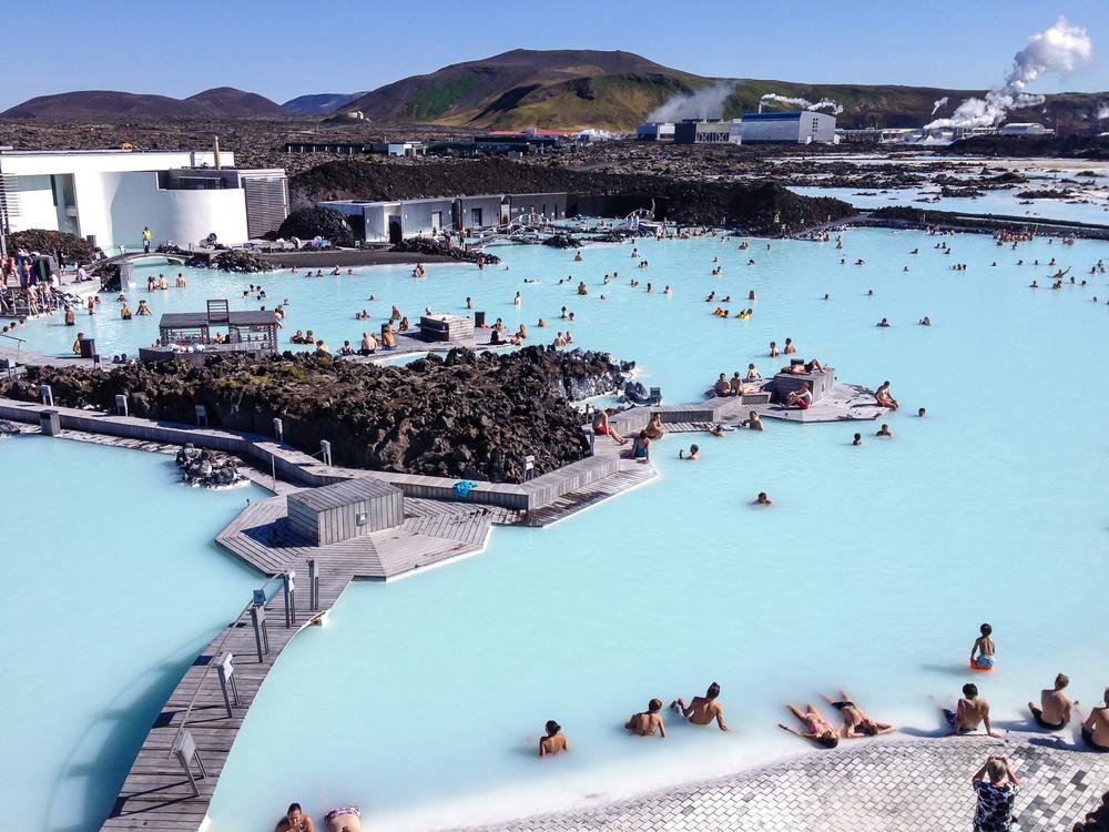 vista aerea de la laguna azul en Islandia
