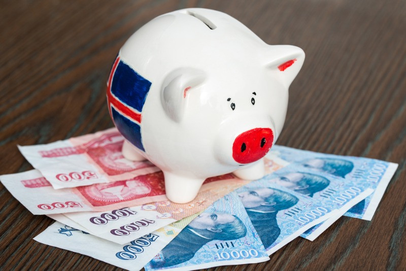 piggy bank to save some money - is iceland expensive?