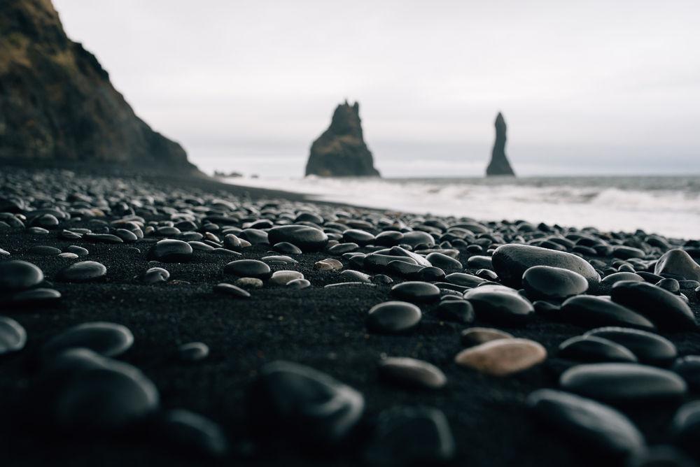 Playa de arena negra en islandia