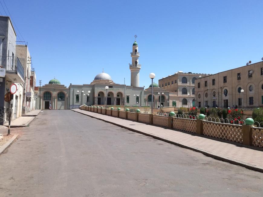 Central street in Asmara, Eritrea (courtesy of AICS Khartoum)