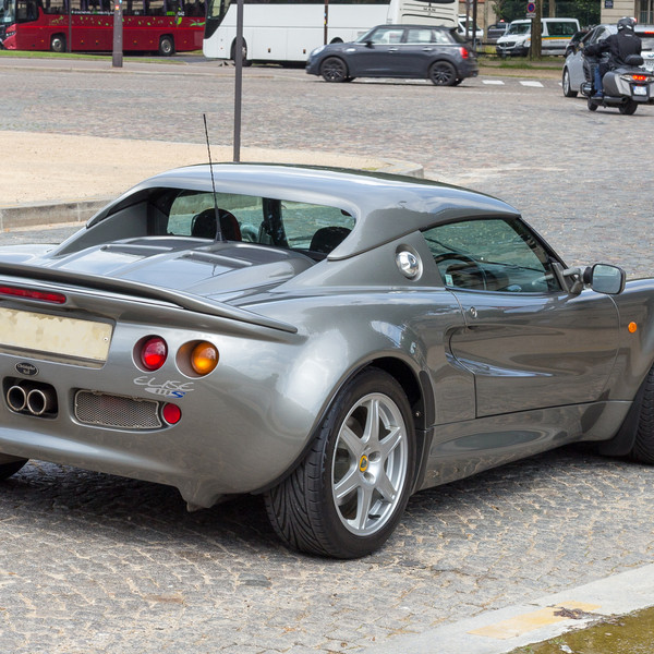 Lotus Elise 111S-6987LBC.jpg