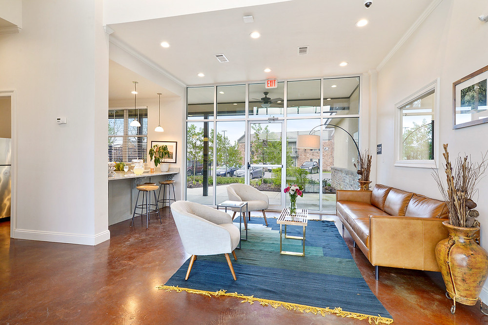 Apartment décor: stunning, newly renovated apartment in Baton Rouge.