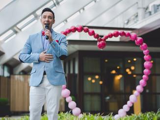 MCing a wedding at Andaz Tokyo.アンダーズ東京で結婚式の司会。