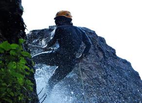 Rappel en las hermosas #Cascadas de Tixhiñú                                  by Carlos Pescador