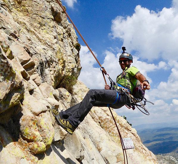Rock-Climbing in Bernal (No experience)