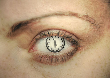 clock-1570360-1280x904 (1)-min.jpg
