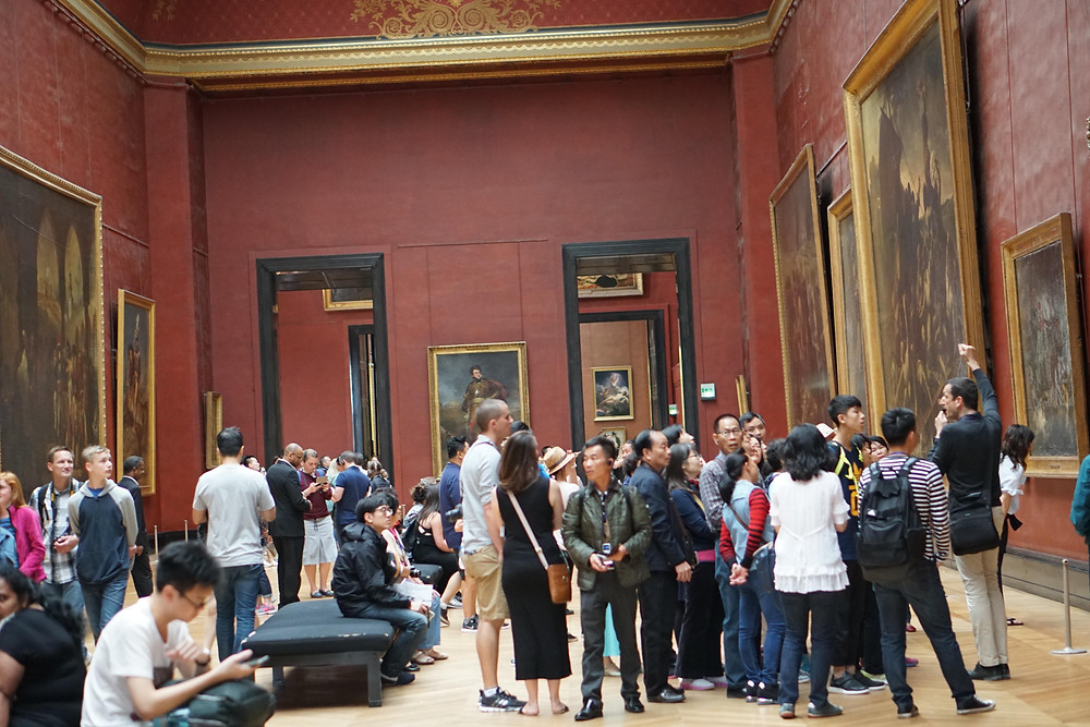Visiting museums with friends or volunteering at a museum improve mental health