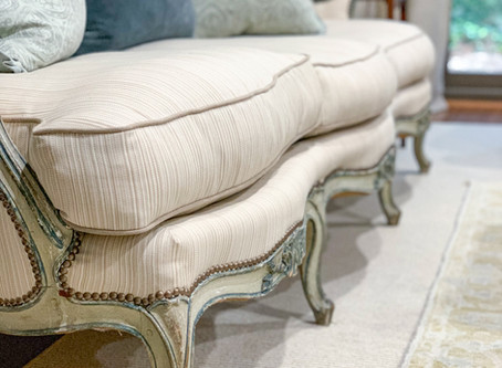 HOW TO CHOOSE UPHOLSTERY: STYLE, COMFORT, & QUALITY