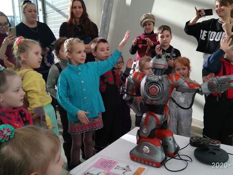 Теплые эмоции от добрых роботов