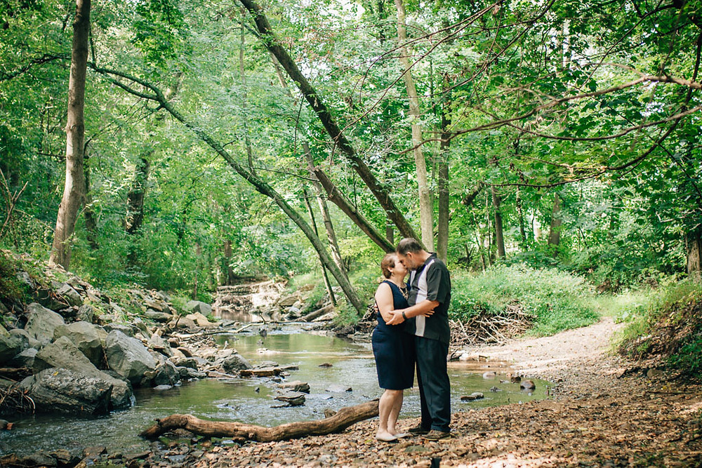 Maryland Portraits - Anniversary Session at Renfrew Park