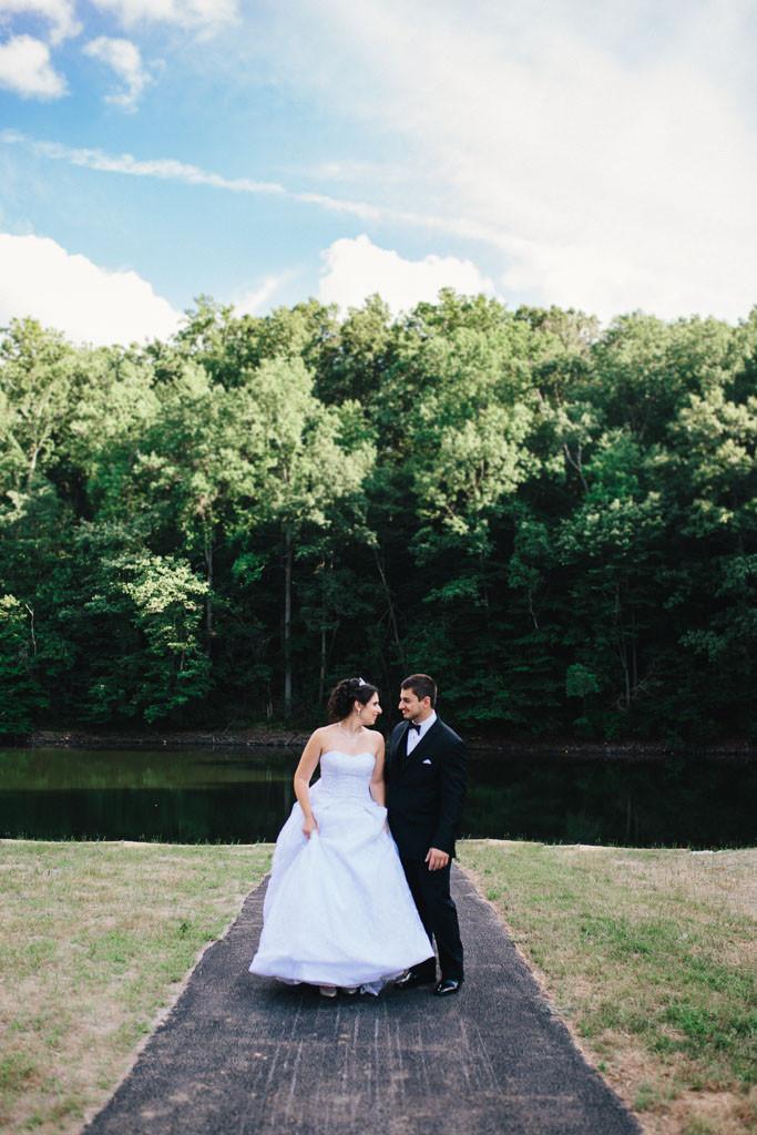 oregon ridge bridal portraits by the lake