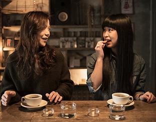女2人お茶s.png