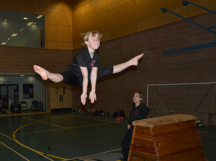 Evesham Gymnastics girls straddle2.jpg