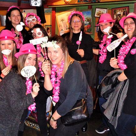 Polterabend Frauen Pub Crawl Zurich.jpeg