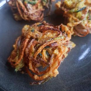 Zucchini-Carrot Bajiya